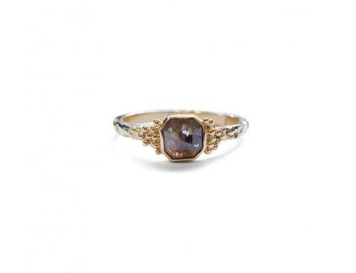 Gesmolten ringen – Roosdiamant en gouden balletjes
