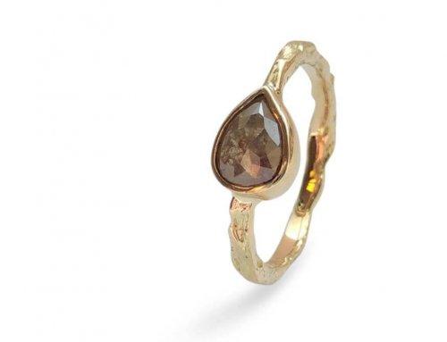 Gesmolten ringen – Een peer op z'n kant